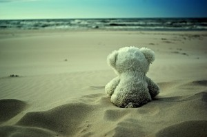 beach-cute-loneliness-love-teddy